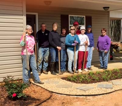 Master Gardeners Beautify New Habitat Home